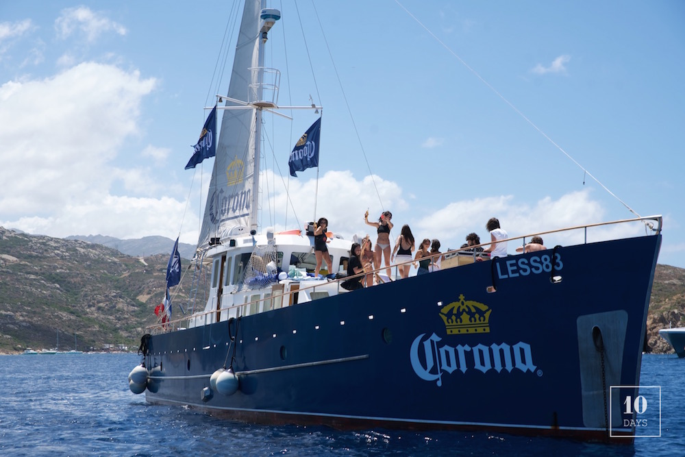 Bateau Corona – Calvi On The Rocks