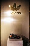 adidas.blanche.0002