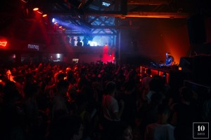 DJ 10